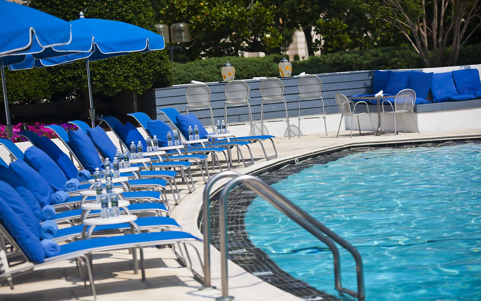 Modern Washington Dc Hotel With A Pool Washington Plaza
